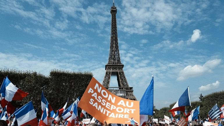 Διαδηλώσεις κατά του εμβολιασμού και του υγειονομικού πάσου σε Γαλλία, Ιταλία και Αυστραλία