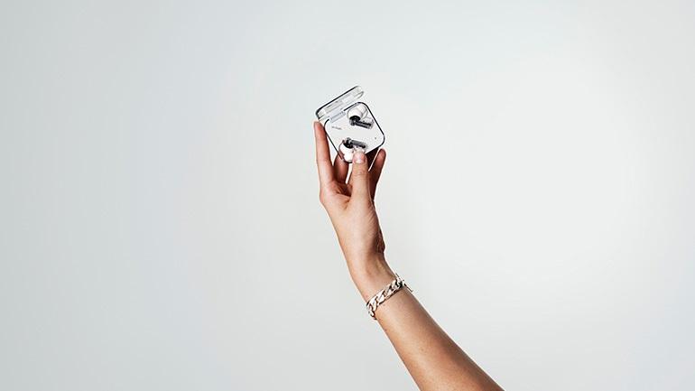 Τα ασύρματα ακουστικά Nothing ear (1) διαθέσιμα και στην Ελλάδα