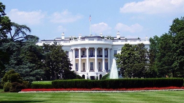 ΗΠΑ: Ο Λευκός Οίκος ενθαρρύνει τον υποχρεωτικό χαρακτήρα των εμβολιασμών