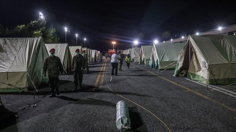 Αρκαλοχώρι: Άρχισε η μετεγκατάσταση οικογενειών από σκηνές
