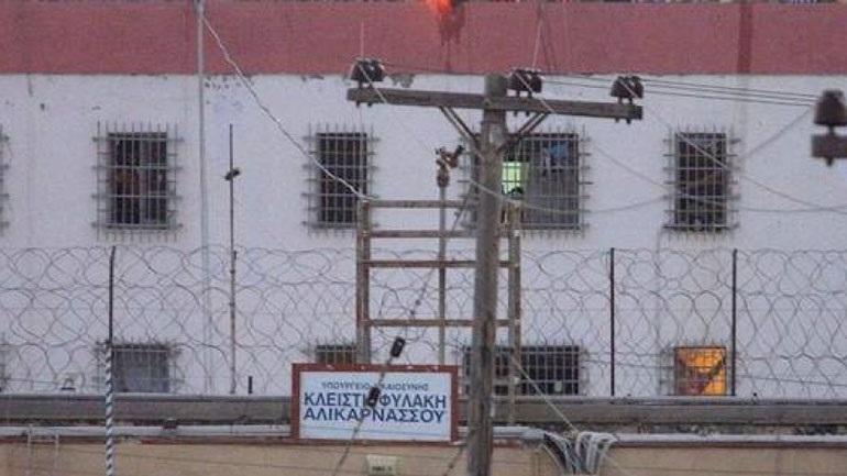 Ηράκλειο: Ξυλοδαρμός και φωτιά στις φυλακές – Στην εντατική τρεις κρατούμενοι