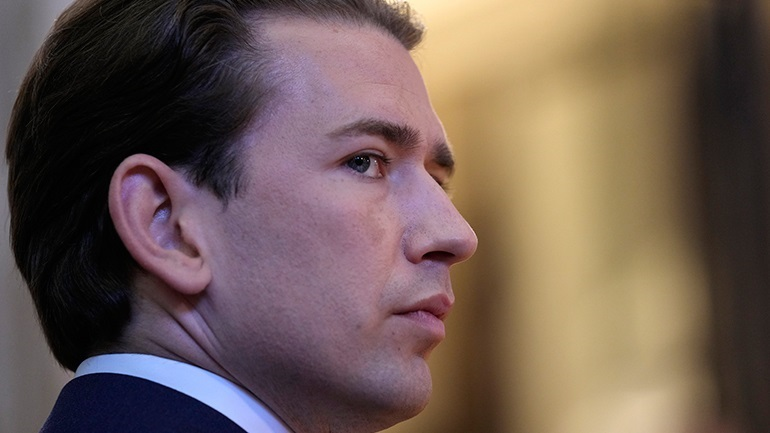 Deutsche Welle:  Η ελληνική κυβέρνηση, τα ΜΜΕ και ο Κουρτς