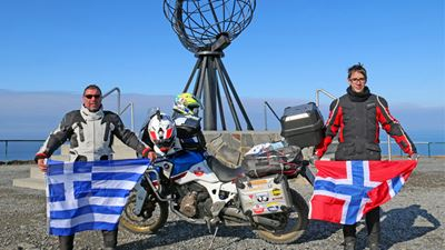 2 Generations Ride Cape2 Cape σημαίνει 4.300 χιλιόμετρα στη σέλα ενός Honda Africa twin!