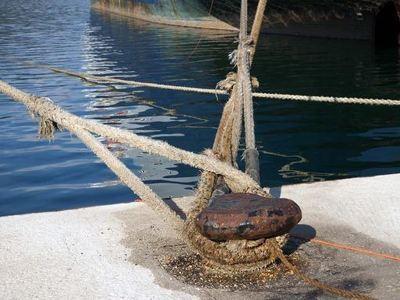 Καταγγελίες για τον θάνατο ναύτη σε ρυμουλκό