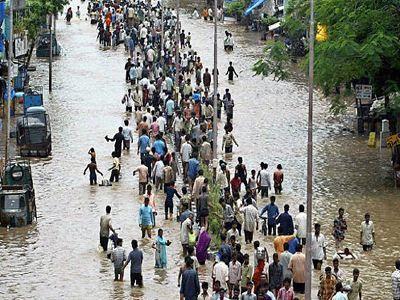 Νέες πλημμύρες πλήττουν την Ινδία