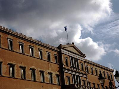 Reuters: «Πέφτει η κυβέρνηση σε περίπτωση νέων μέτρων»