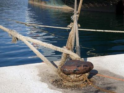 Μηχανική βλάβη για επιβατηγό πλοίο στην Καβάλα