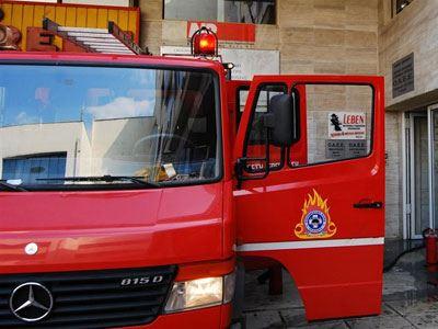 Αλεξανδρούπολη: Δίκυκλο τυλίχτηκε στις φλόγες σε πυλωτή