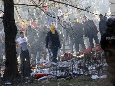 Βοσνία: Άγριο ξύλο και πυρπολήσεις κτιρίων με φόντο τη διαφθορά