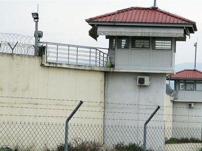 Τρίκαλα: Κρατούμενος επιτέθηκε με αυτοσχέδιο μαχαίρι σε σωφρονιστικό υπάλληλο