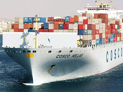 WSJ: Η Cosco μετέτρεψε τον Πειραιά σε ένα από τα πιο πολυσύχναστα λιμάνια στην Ευρώπη