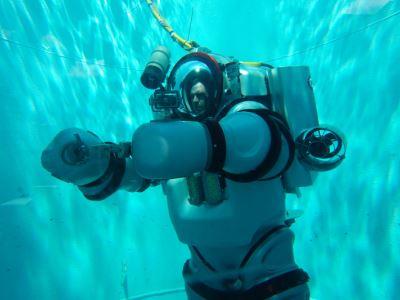 Η στολή μινι-υποβρύχιο που «φοριέται»!