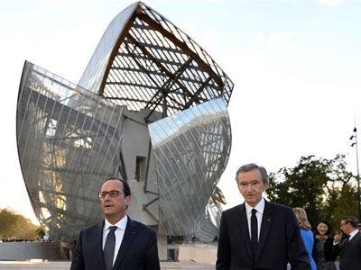 Ο Ολάντ εγκαινίασε το Ίδρυμα Louis Vuitton