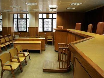 «Νεκρώνουν» τα δικαστήρια
