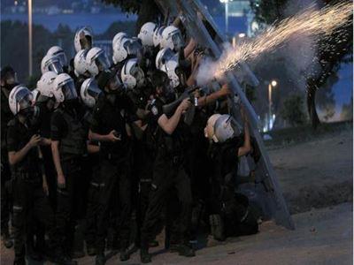 Τουρκία: Η Αστυνομία θα πυροβολεί όποιον κρατά βόμβα μολότοφ
