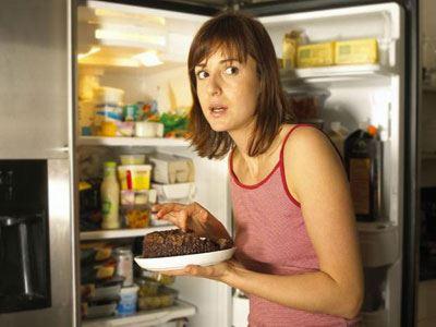 Έρευνα: Το φαγητό μετά τη δύση του ηλίου προσθέτει κιλά