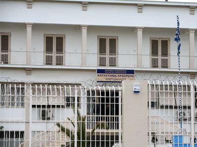 Αρνούνται να επιστρέψουν στα κελιά τους οι κρατούμενοι του Κορυδαλλού