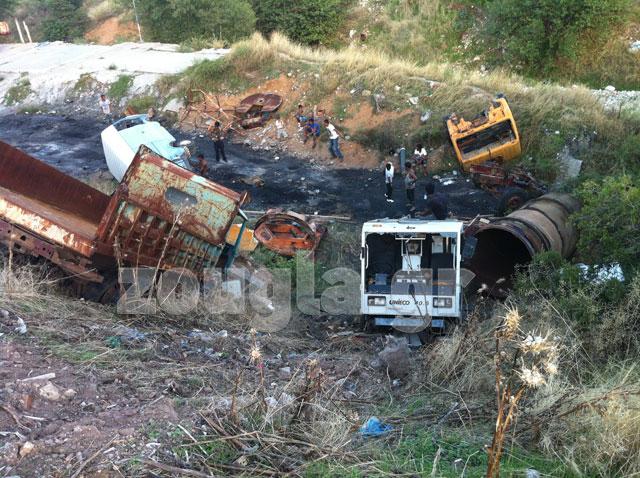 Άμφισσα: Ρομά έκαναν φύλλο και φτερό παλαιά οχήματα του Δήμου Δελφών
