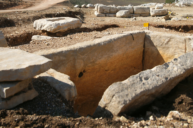 Στο φως τμήμα αρχαίου νεκροταφείου