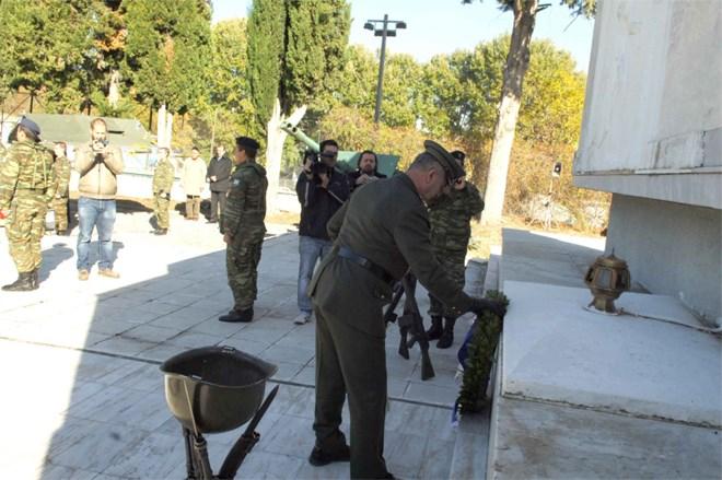 Θλίψη και οργή! Τελετή διάλυσης του Α' ΣΣ στο στρατόπεδο Μακεδονομάχων και κατάντια των Ε.Δ...