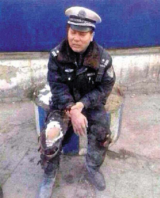 Ο τρομοκρατημένος αστυνομικός λίγο μετά το περιστατικό