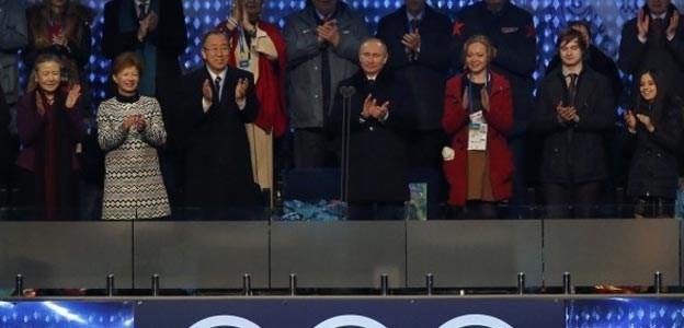 Ο Βλαντιμίρ Πούτιν την ώρα που κηρύσσει  την έναρξη των χειμερινών Ολυμπιακών Αγώνων.