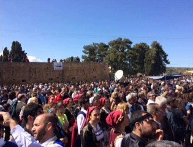 Χιλιάδες πολίτες διαμαρτυρήθηκαν στην ιστορική Μονή Αρκαδίου