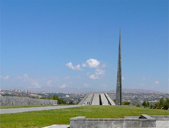 Το επιβλητικό μνημείο για τη γενοκτονία, στην καρδιά της Αρμενίας