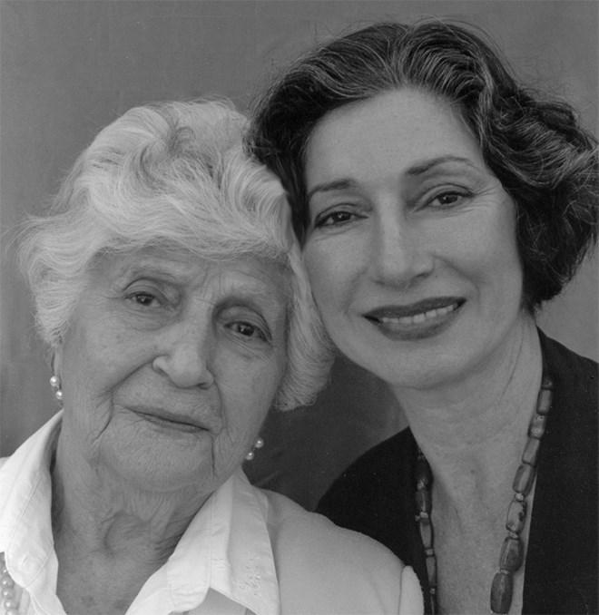 H Σάνο Χάλο με την κόρη της Θία
