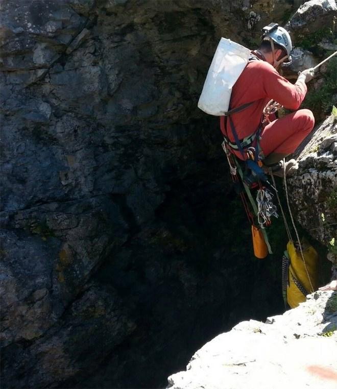Η κατάβαση των σπηλαιολόγων