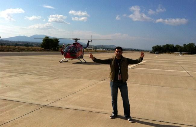 Λίγο πριν πετάξουμε με ένα από τα δύο πιστοποιημένα ακροβατικά ελικόπτερα του κόσμου!!!