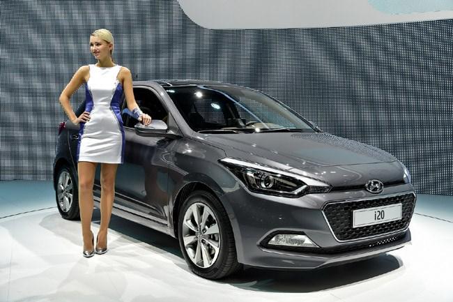 Το ολοκαίνουργιο Hyundai i20 που είναι ένα άλλο αυτοκίνητο. Μεγαλύτερο, με καλύτερους χώρους και ποιότητα κατασκευής που δεν θυμίζει σε τίποτα τα παλιά i20. Θα είναι διαθέσιμο ακόμα και με κινητήρα 1.0 λίτρου με απόδοση 120 ίππων. Θα κυκλοφορήσει στους δρόμους στις αρχές του 2015...