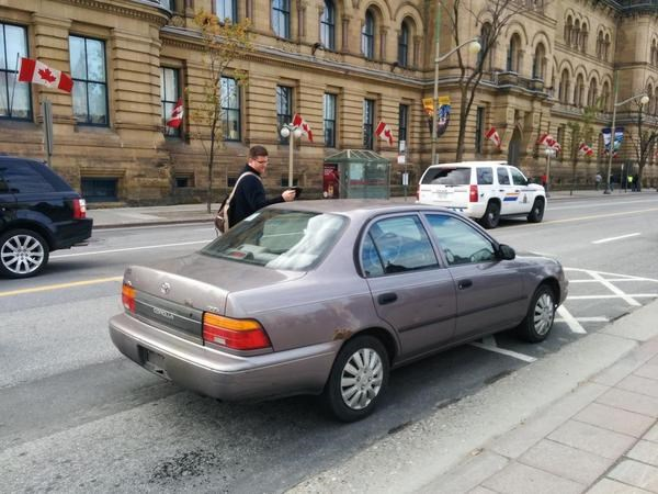 Αυτόπτης μάρτυρας αναφέρει ότι πρόκειται για το αυτοκίνητο ενός εκ των δραστών