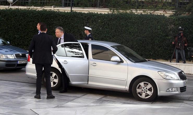 Το αυτοκίνητο είναι μια Skoda Octavia προηγούμενης γενιάς...