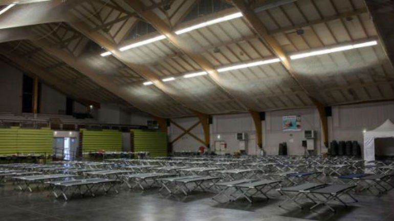 Καταφύγιο για τους συγγενείς των θυμάτων κοντά στον τόπο της τραγωδίας