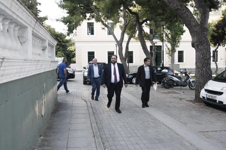 O Βαγγέλης Μαρινάκης προσερχόμενος στην Ευελπίδων
