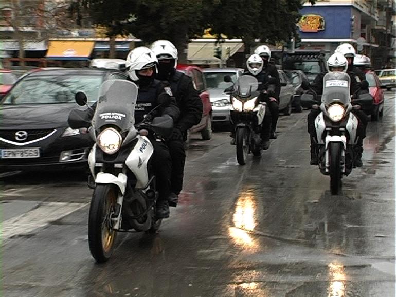 Όταν βρέχει και οι μοτοσικλέτες δεν έχουν τα κατάλληλα ελαστικά είναι λογικό να μην μπορεί να αντιμετωπιστεί άμεσα το κάθε πρόβλημα που θα προκύψει...