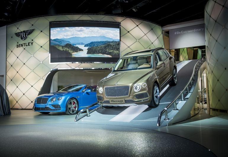 H Bentley Bentayga είναι το πρώτο SUV της μάρκας. Εφοδιάζεται με κινητήρα 6.0 λίτρων, αποδίδει 608 ίππους και έχει τελική 301 χλμ./ώρα!