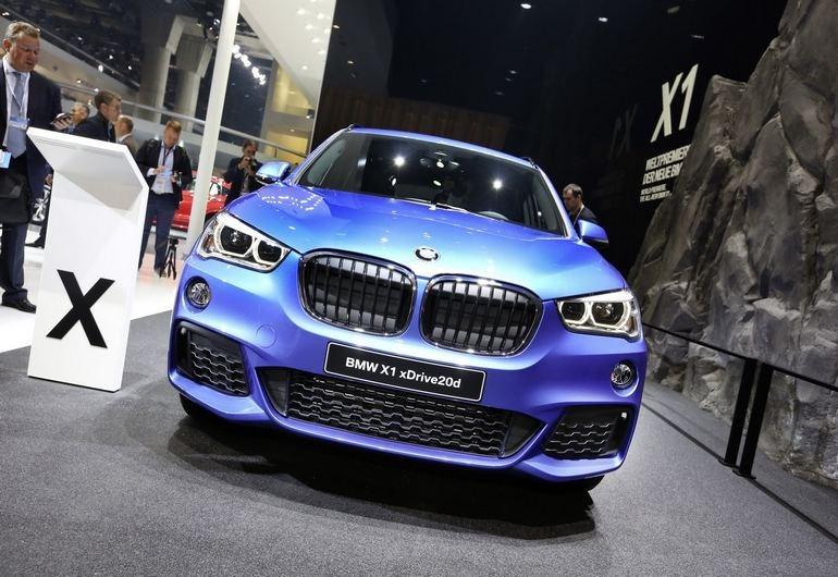 Η νέα γενιά της BMW X1 θα αλλάξει σημαντικά την κατηγορία των μικρών SUV. Η σχεδίασή της θυμίζει έντονα την μεγαλύτερη Χ3. Θα είναι διαθέσιμη και με κινητήρα 1.500 κ.εκ. Στην Ελλάδα έρχεται τον Οκτώβριο...