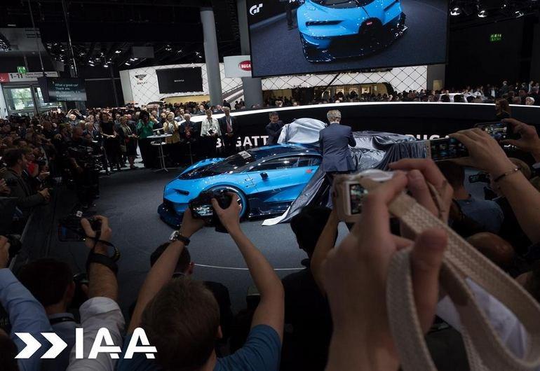 Η Bugatti  Vision Gran Turismo Concept θα εμφανιστεί στο Gran Turismo 6. Στη Φρανκφούρτη το είδαμε και σαν πρωτότυπο και όπως καταλαβαίνετε έγινε χαμός!