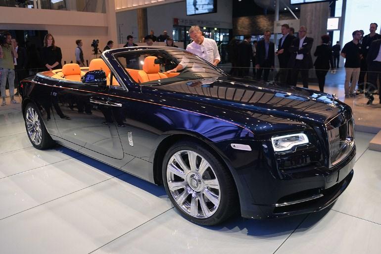 Η Rolls Royce δεν λείπει από τη γιορτή της Φρανκφούρτης με τα άκρως εντυπωσιακά και χλιδάτα μοντέλα της...