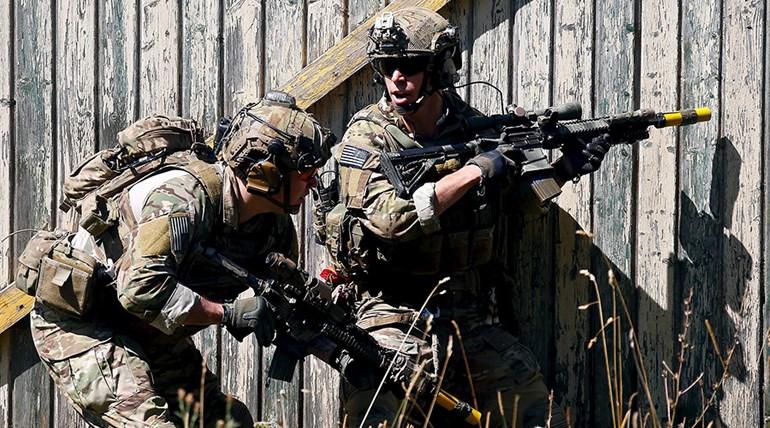 Στρατιώτες παίρνουν μέρος σε αμερικανική άσκηση στη Βαυαρία