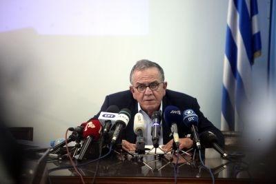 Παράλληλα, στην παρουσίασή του, ο κ. Μουζάλας έδειξε και τις διαδρομές που ακολουθούν οι πρόσφυγες για να φτάσουν στα ελληνικά νησιά.
