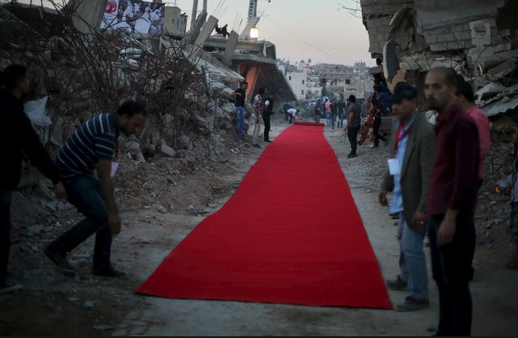 Κόκκινο χαλί στα συντρίμμια- Το Κινηματογραφικό Φεστιβάλ Aνθρωπίνων Δικαιωμάτων Καράμα στη Γάζα/ Mohammed Salem