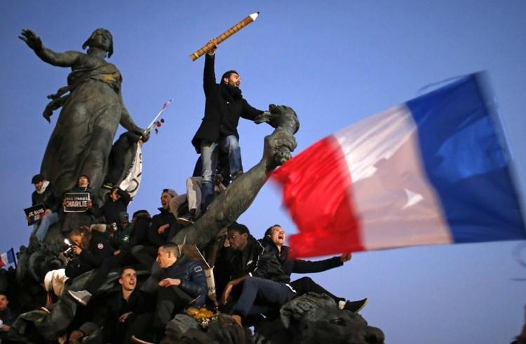 Je suis Charlie: Διαδήλωση μετά τη φονική επίθεση στα γραφεία του Charlie Hebdo από τους αδελφούς Κουασί τον Ιανουάριο του 2015/Stephane Mahe