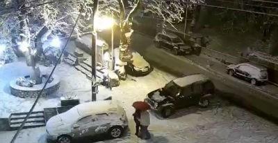 Χιονίζει στην Ελάτη Τρικάλων
