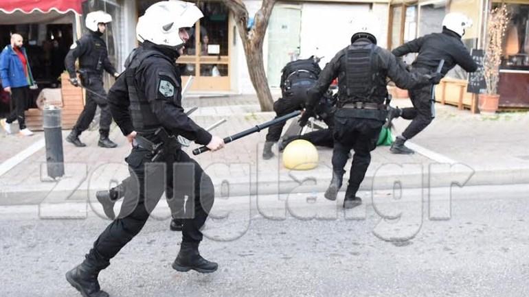 Βία μέρα-μεσημέρι στο κέντρο της Αθήνας