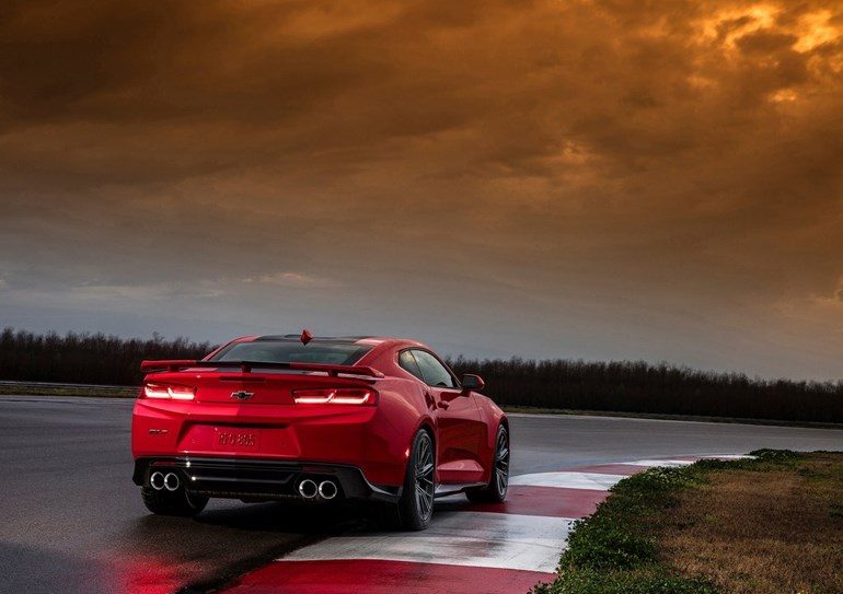To αμερικάνικο muscle car εφοδιάζεται με κινητήρα 6.2 λίτρων που αποδίδει 640 ίππους...