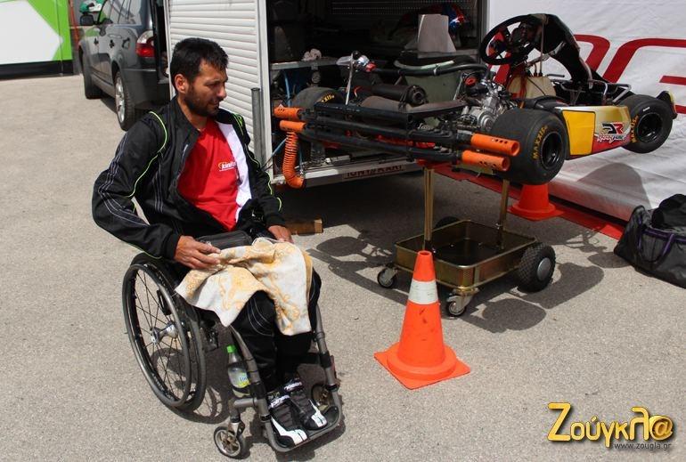 Ο Τάκης έχει το δικό του αυτοκίνητο, το δικό του τρέιλερ και δύο καρτ για προπόνηση!