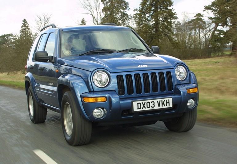 Jeep Cherokee με 2.000 ευρώ θα βγάλει σε δημοπρασία ο ΟΔΔΥ